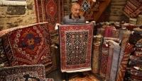 Dünyanın dört bir yanına Anadolu halılarını satıyor