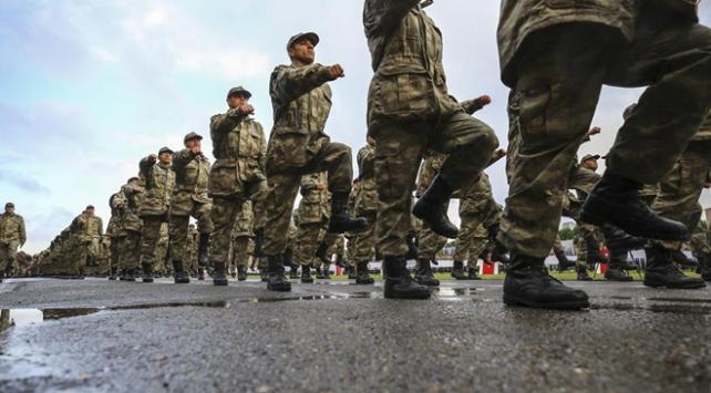 Yeni askerlik teklifi salı günü Mecliste oylanacak