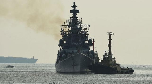 Hindistan, Körfez bölgesine iki savaş gemisi sevk etti