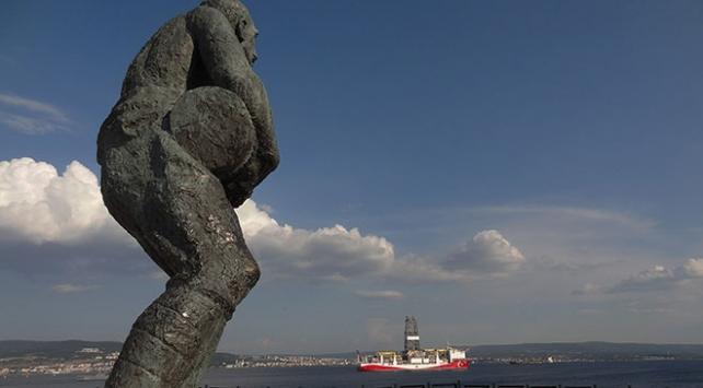 """İkinci sondaj gemimiz """"Yavuz"""" Çanakkale Boğazından geçti"""