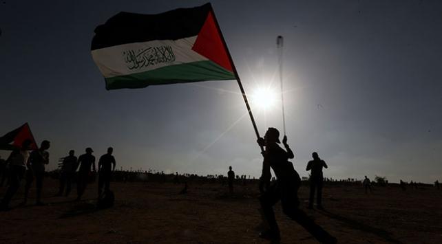 Filistinliler Büyük Dönüş Yürüyüşü gösterilerinde Mursi'yi unutmadı