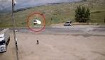 El freni çekilmeyen kamyon şarampole yuvarlandı