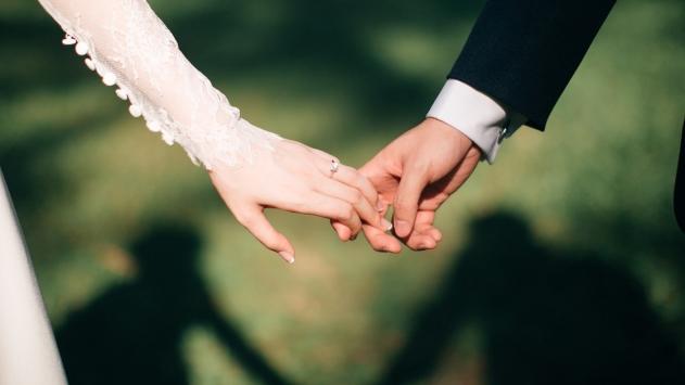 """Eşe """"manyak-salak"""" demek boşanma sebebi"""