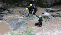 Araklı'daki selde kaybolan 2 kişi aranıyor