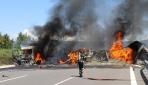 Anadolu Otoyolunda kaza: Araçlar alev aldı, yol trafiğe kapandı