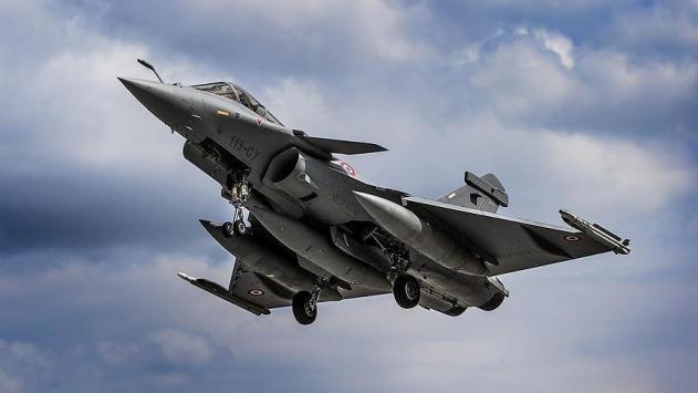 Almanyada 2 savaş uçağı havada çarpıştı