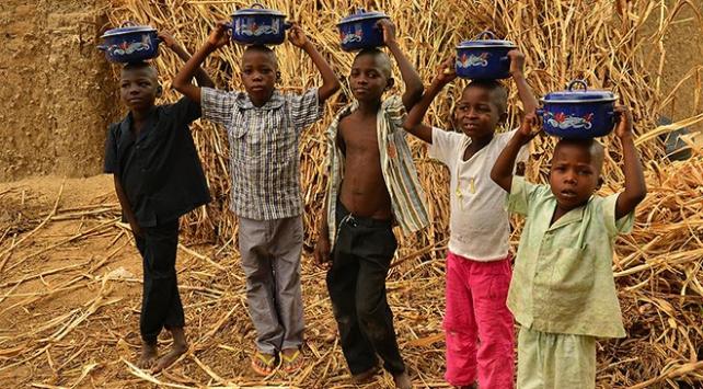 Kongo Demokratik Cumhuriyetinde on binlerce kişi yerinden edildi