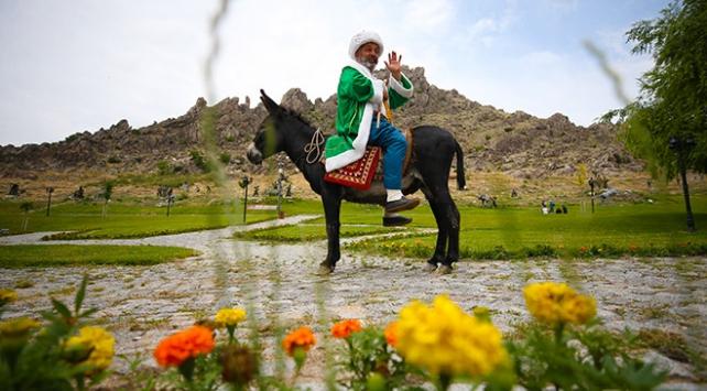 """""""Dünyanın merkezi""""nde 27 yıldır Nasreddin Hocayı canlandırıyor"""