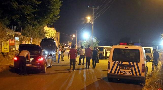 Antalyada mahalle bekçilerine pompalı tüfekle ateş açıldı
