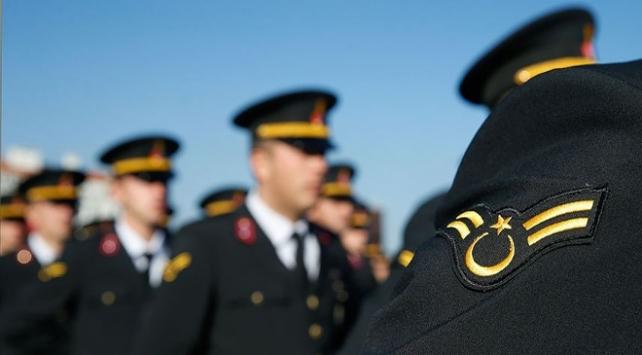 OHAL sonrası TSKdan 2 bin 49 personel ihraç edildi