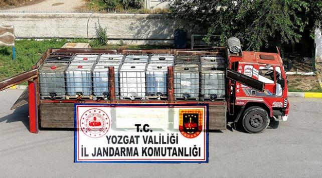 Yozgatta bir kamyonda 14 bin litre kaçak akaryakıt bulundu