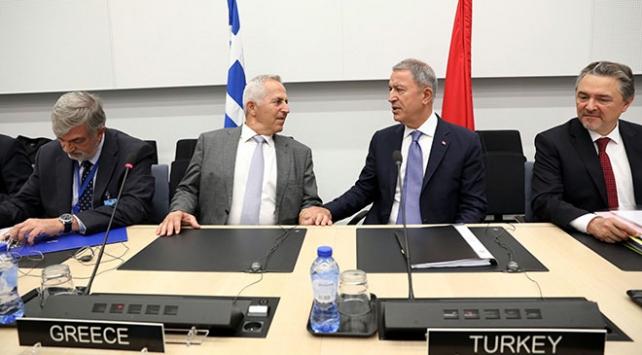 Bakan Akar: Yunanistanın provokatif davranış ve açıklamalardan kaçınması gerekli