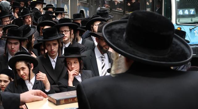 """Binlerce Ortodoks Yahudi, İsrail'in zorla askere almalarına """"hayır"""" dedi"""