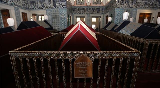 Restore edilen Hatice Turhan Valide Sultan Türbesi açıldı