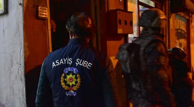İstanbulda bin adrese eş zamanlı asayiş operasyonu