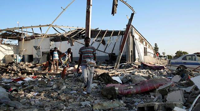 Hafter güçleri göçmenleri hedef aldı: En az 30 ölü