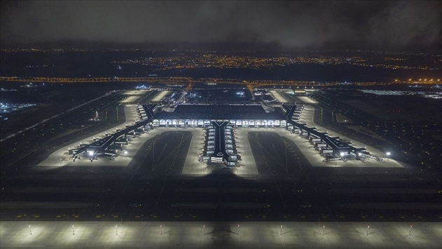 İstanbul Havalimanından 100 bininci uçuş yapıldı