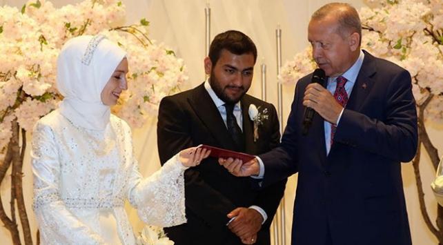 Cumhurbaşkanı Erdoğan, nikah şahitliği yaptı