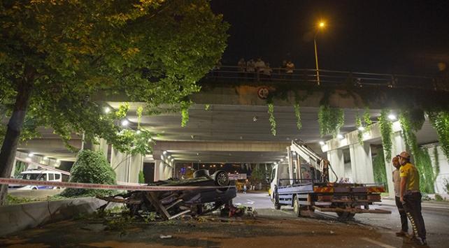 Ankarada otomobil köprüden düştü: 1 ölü, 2 yaralı