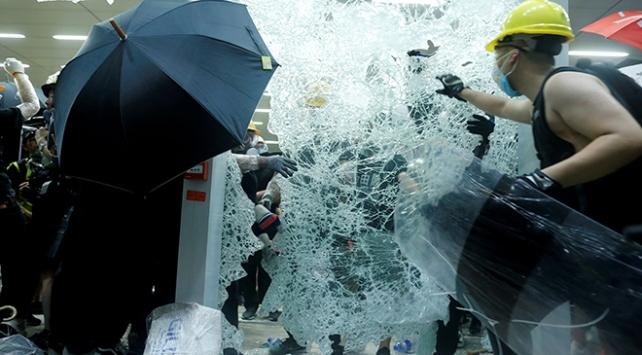Hong Konglu öğrenciler, Lam ile kapalı görüşmeyi reddetti