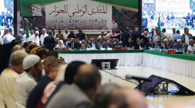 Cezayirde muhalifler, ulusal diyalog konusunu görüştü