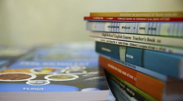 Ders kitaplarının dağıtımında plastik poşetler kullanılmayacak