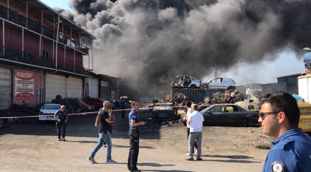 Adanada geri dönüşüm fabrikasında yangın