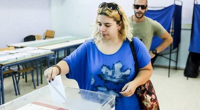 Yunanistanda seçimin galibi Miçotakis