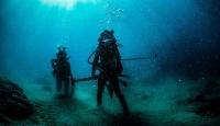 Sanayi dalgıcı kız kardeşlerin su altındaki dünyası