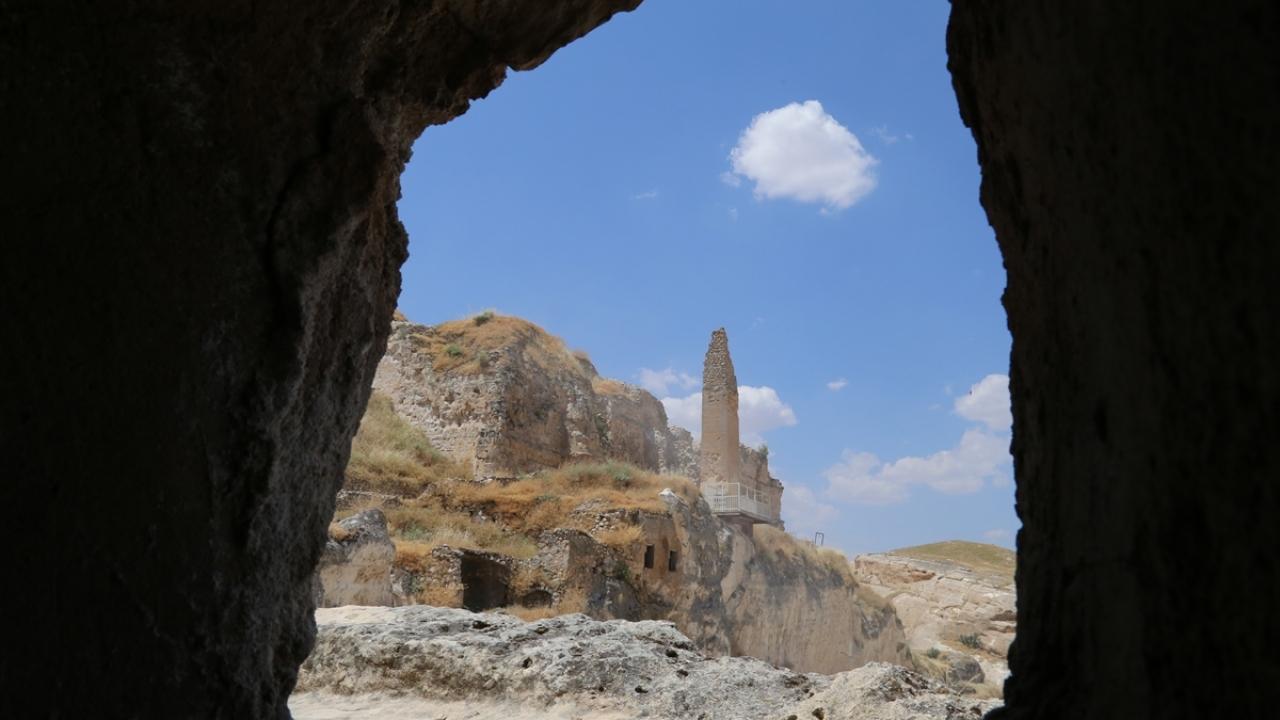 Tarihi Hasankeyf Kalesine tekneyle ulaşılacak