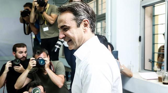 Yunanistanda yeni başbakan Miçotakis görevi Çiprastan devraldı