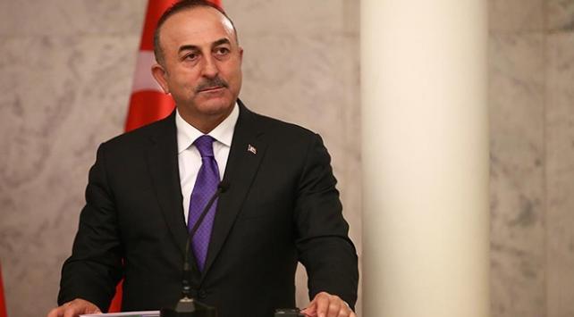 Bakan Çavuşoğlundan Yunan mevkidaşına tebrik