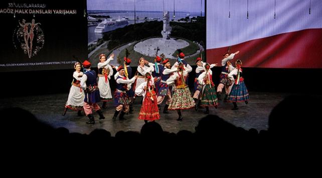 Uluslararası Altın Karagöz Halk Dansları Yarışması sürüyor