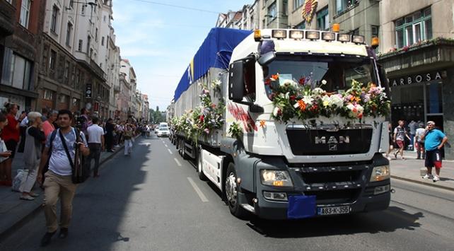 Soykırım kurbanlarının cenazeleri Srebrenitsaya uğurlandı