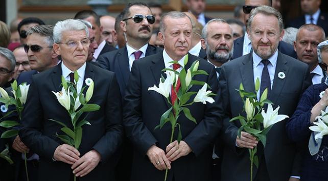 Cumhurbaşkanı Erdoğan Srebrenitsa kurbanları için düzenlenen törene katıldı