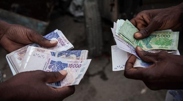 """Sömürge parası CFA frangının yerini """"Eco"""" alacak"""