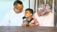 Bez bebeğinin gözleri silinen Yusuf'a polis ekipleri sürpriz yaptı