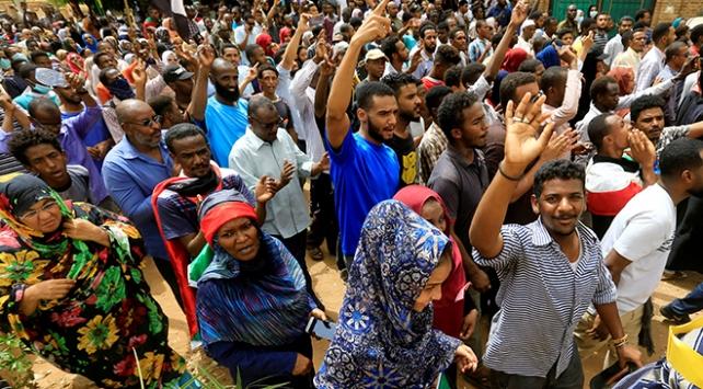 Sudanda mobil internet erişimi normale döndü