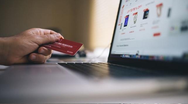 e-Ticaret hacmi 300 milyar liraya çıkacak