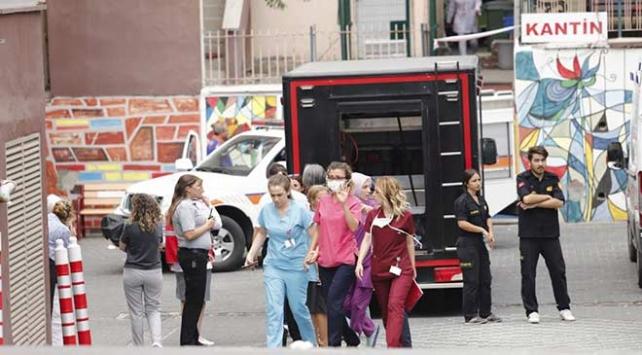 Ankarada bir hastanede içinde kimyasal bulunan şişe kırıldı