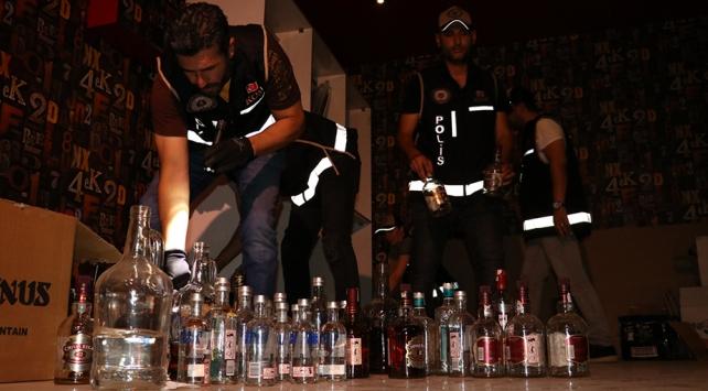 Diyarbakırda 77 şişe kaçak içki ele geçirildi