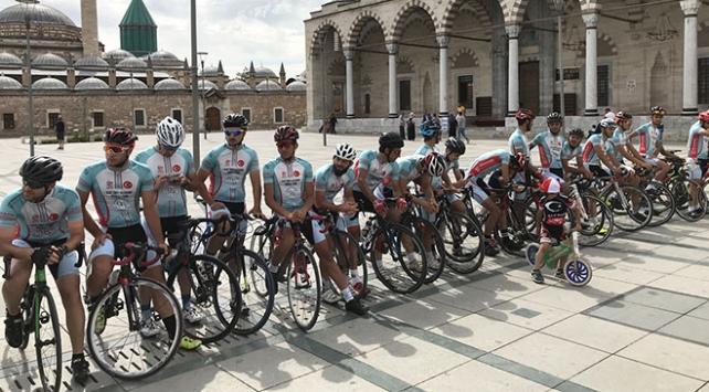 Ömer Halisdemir 3. Ulusal Bisiklet Turu devam ediyor