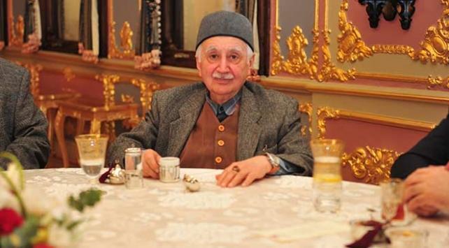 Gazeteci Eygi kitaplarını Cumhurbaşkanlığı Külliyesine bağışladı