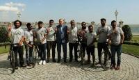Cumhurbaşkanı Erdoğan, Medine'ye doğru pedal çeviren grubu kabul etti