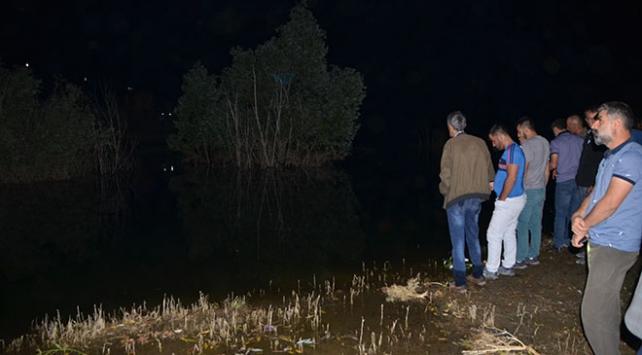 Hakkaride baraj gölüne giren 3 çocuktan haber alınamıyor