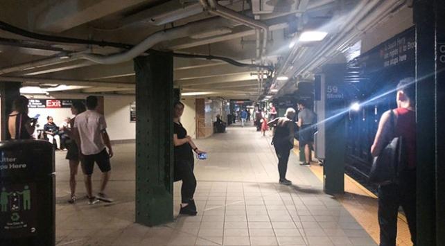 Manhattanda elektrik kesintisi binlerce kişiyi mağdur etti