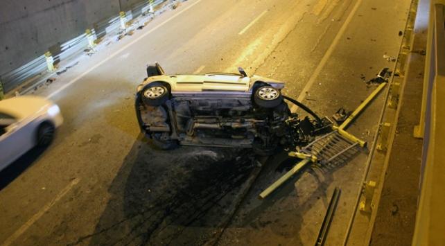 Konyada otomobil alt geçide uçtu: 3 yaralı