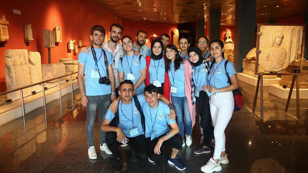 Şehit ve gazi çocukları Antalyayı ziyaret etti