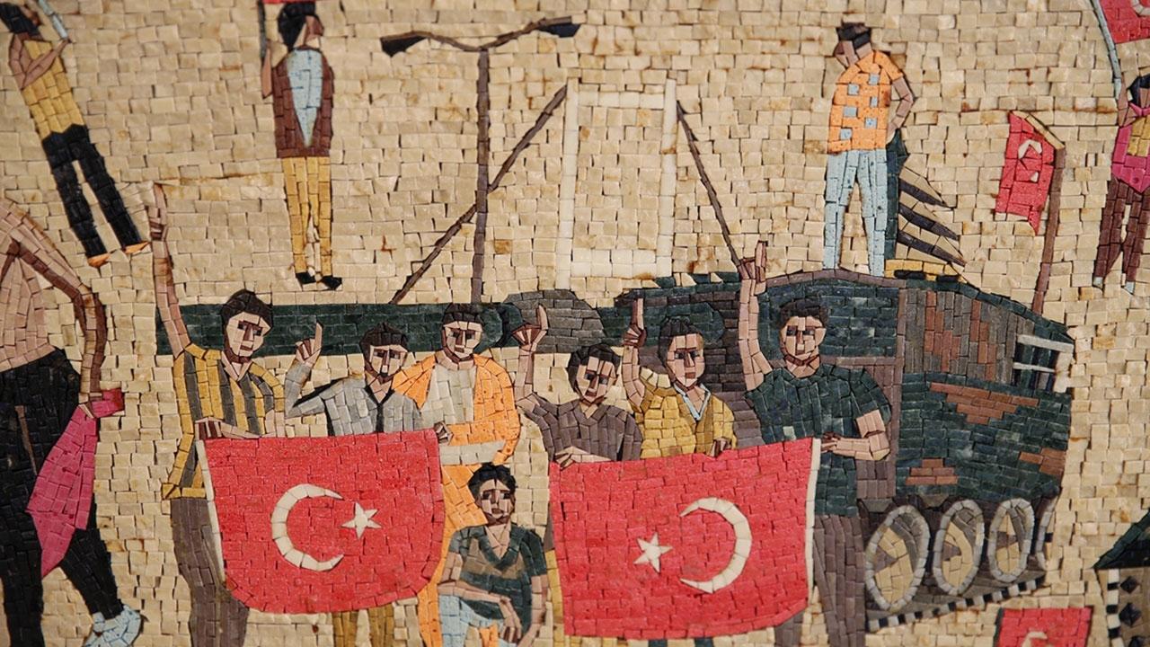 Suriyeli sanat tarihçisi 15 Temmuzu mozaikle anlattı