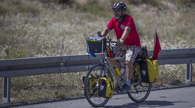 15 Temmuz şehitleri için 20 gün pedal çevirdi